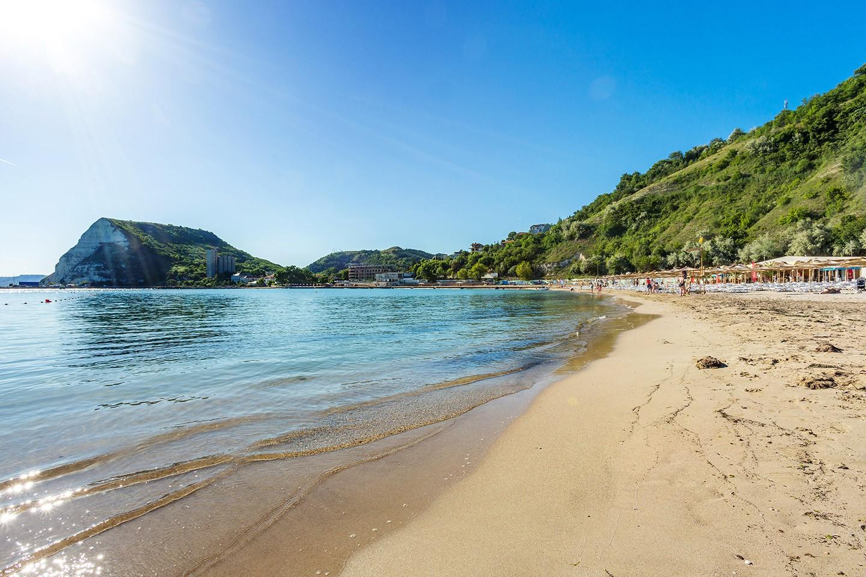Плажът на Каварна
